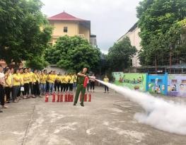 Tập huấn phòng cháy chữa cháy và cứu nạn cứu hộ năm học 2019 - 2020