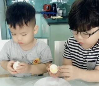 Kỹ năng bóc vỏ trứng